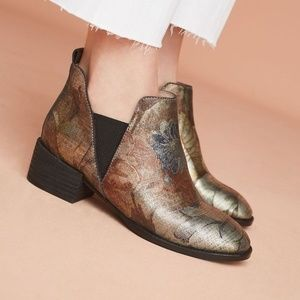 Anthropologie SEYCHELLES OFFSTAGE CHELSEA BOOTS